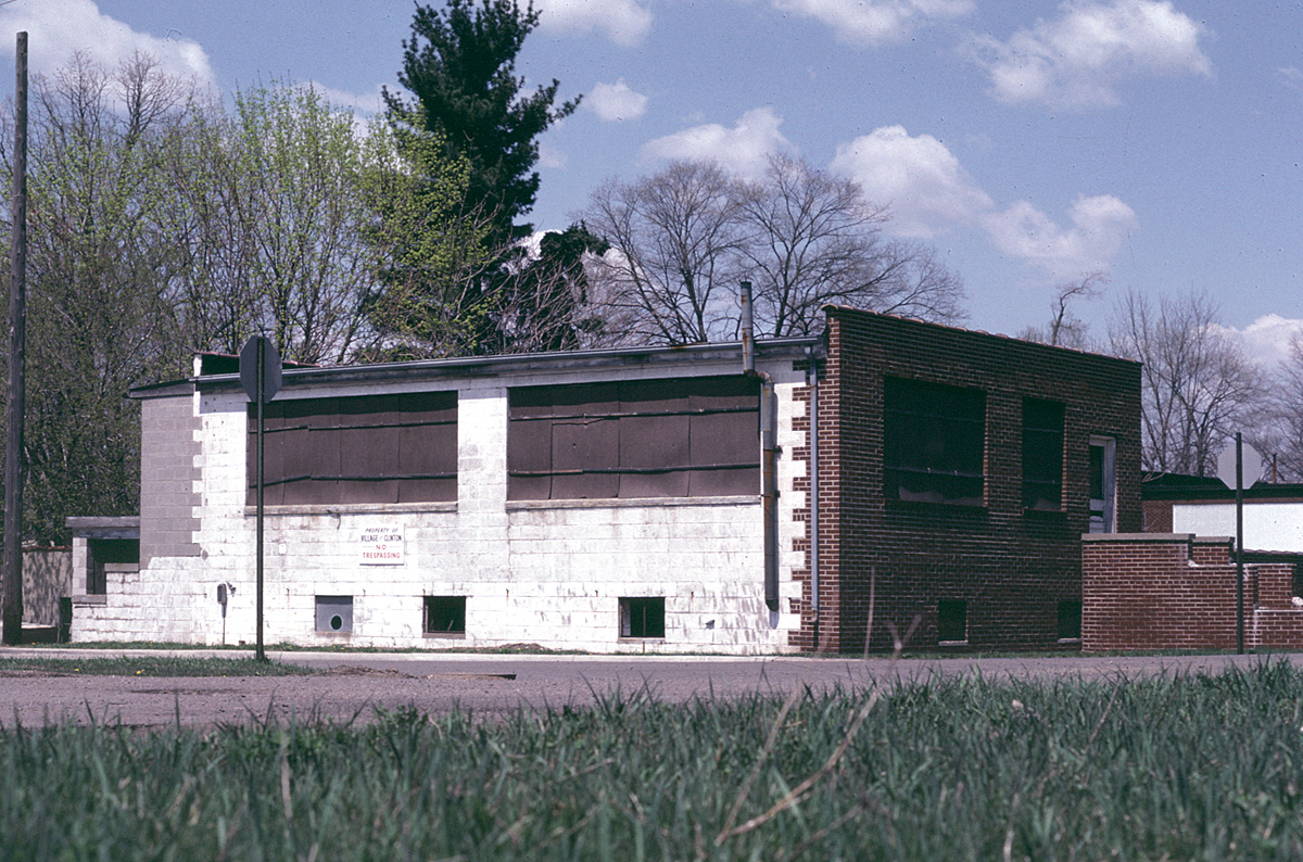 The Clinton Engines building in 1982. (Jeffrey Dobek photo)