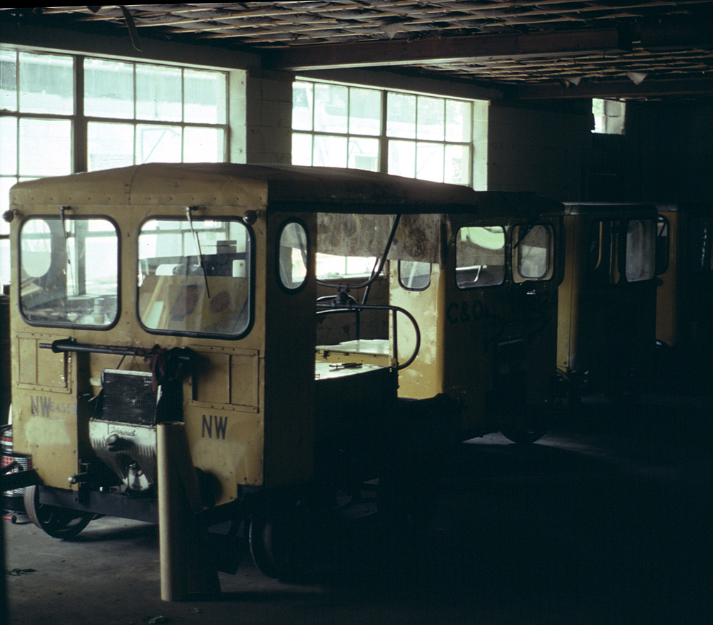 Motor car shop