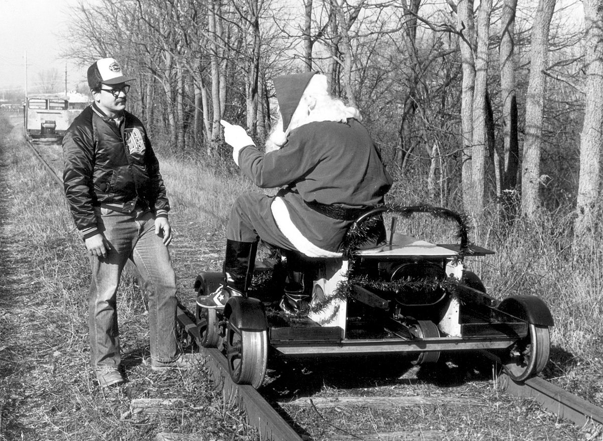 Santa arrives in Clinton 1984