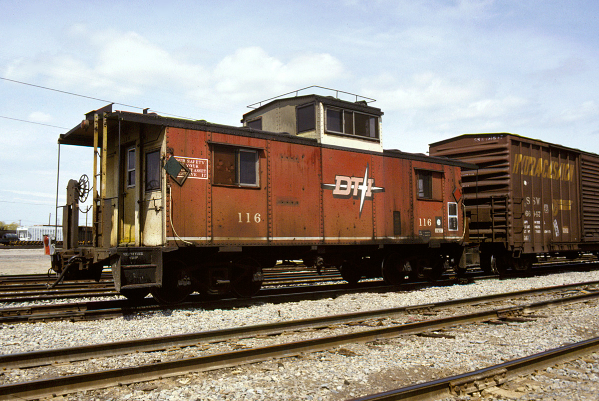 DT&I 116 at Flat Rock yard
