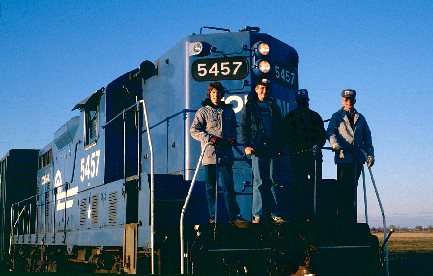 Conrail GP-8 #5457 at Palmyra, Michigan on 10 November 1980