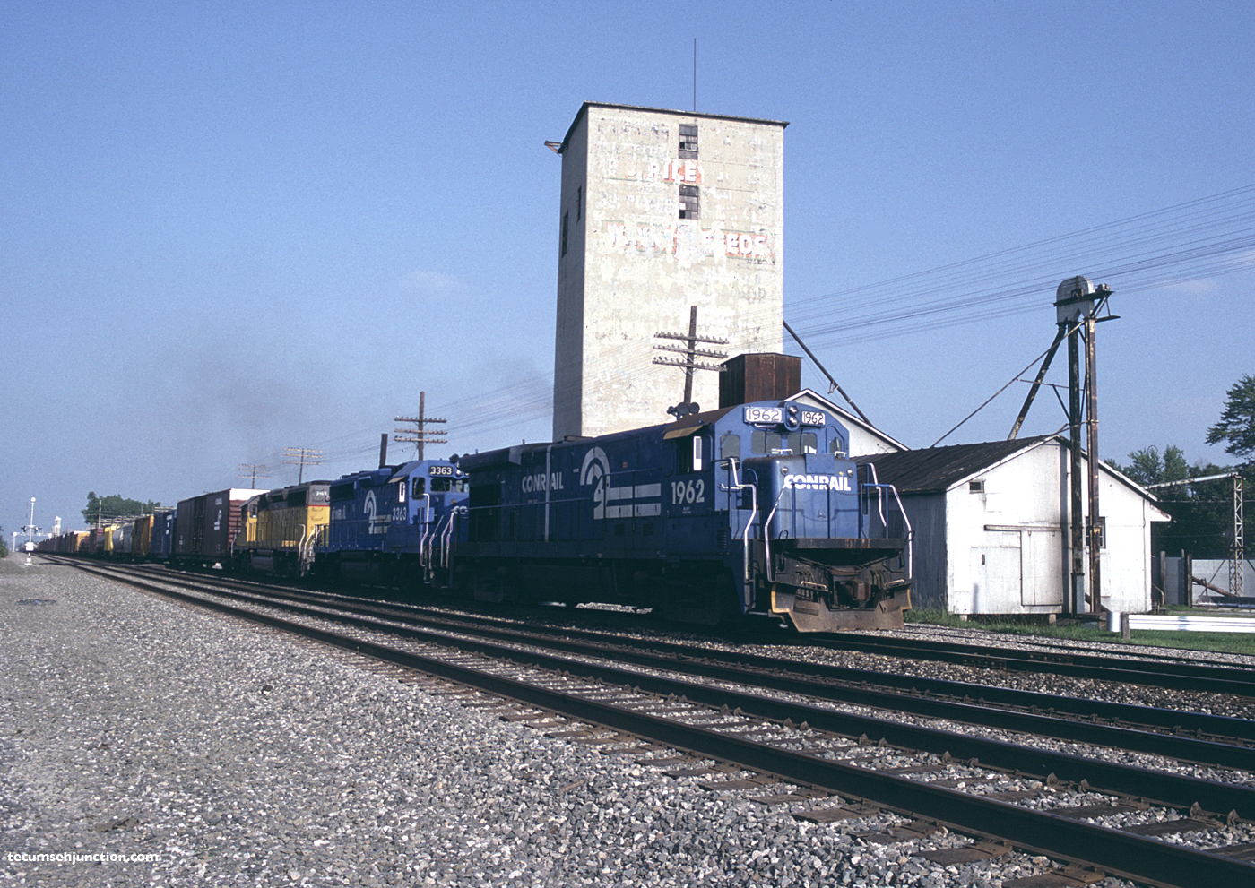 Conrail #1962 at Bryan, OH