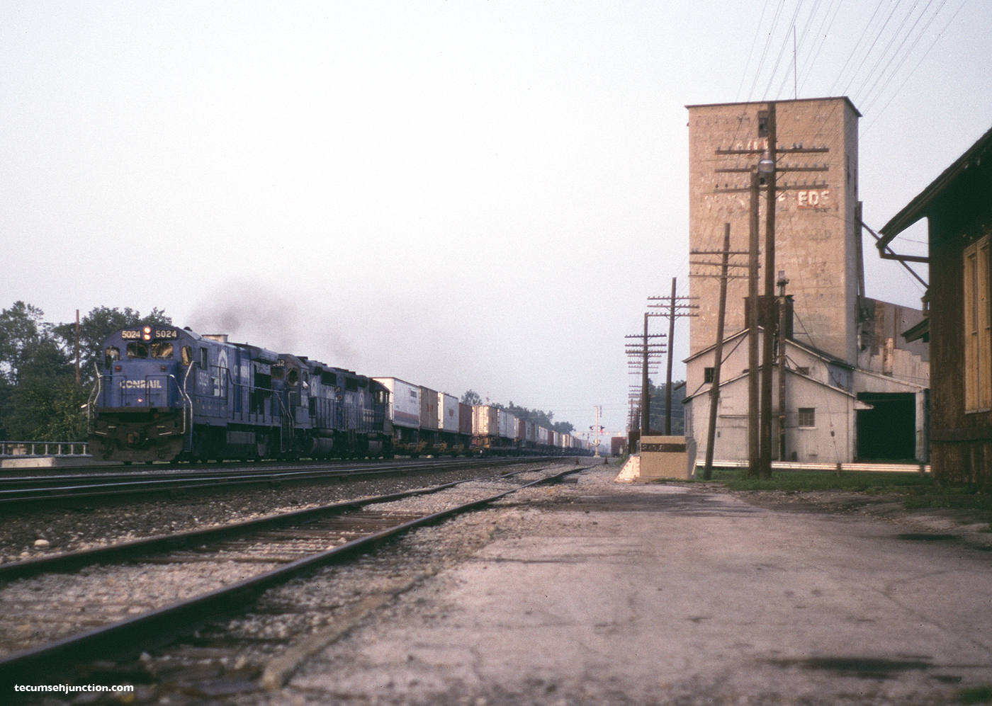 Conrail TV-7 at Bryan, OH