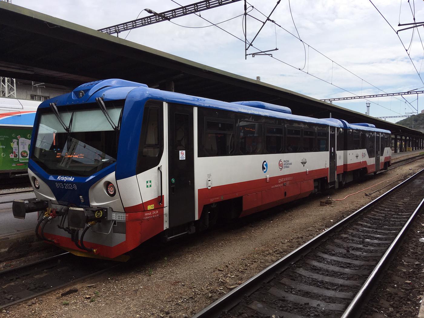 Class 813 DMU