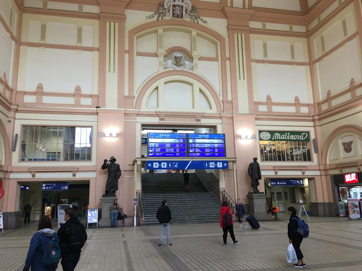 The main hall in the CD station at Plzeň