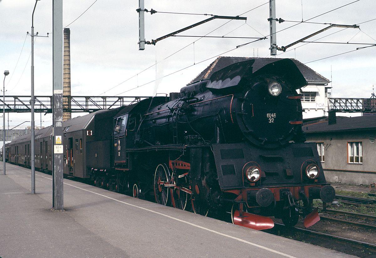 Ol49-32 on train to Wolsztyn.