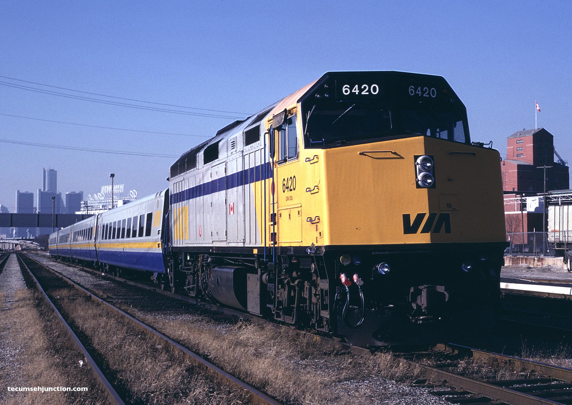 VIA Rail 6420 at Windsor