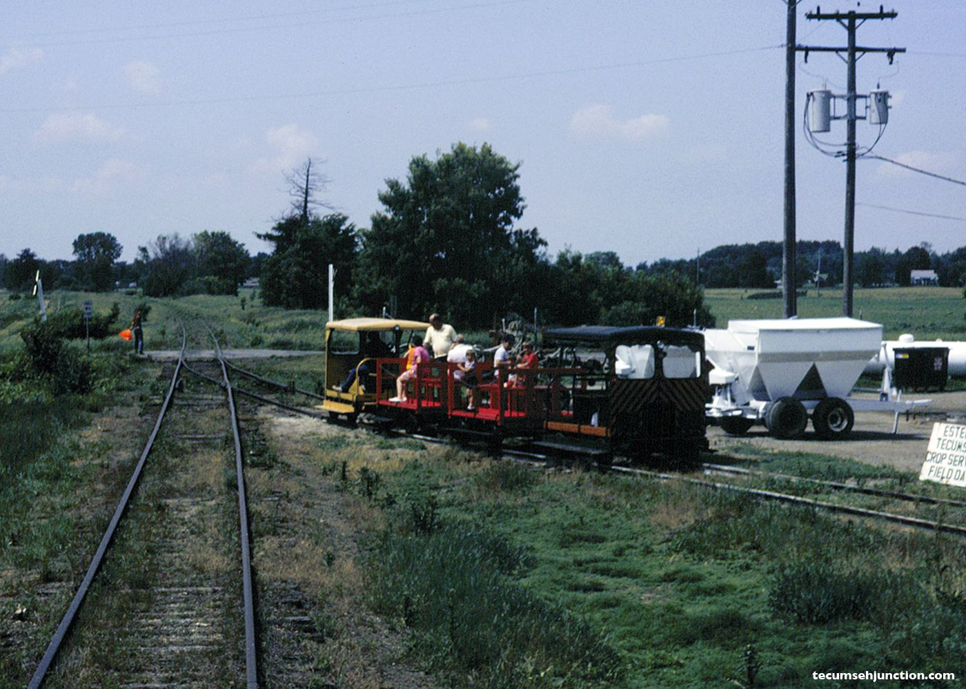 SMRS trains pass at Staib Road