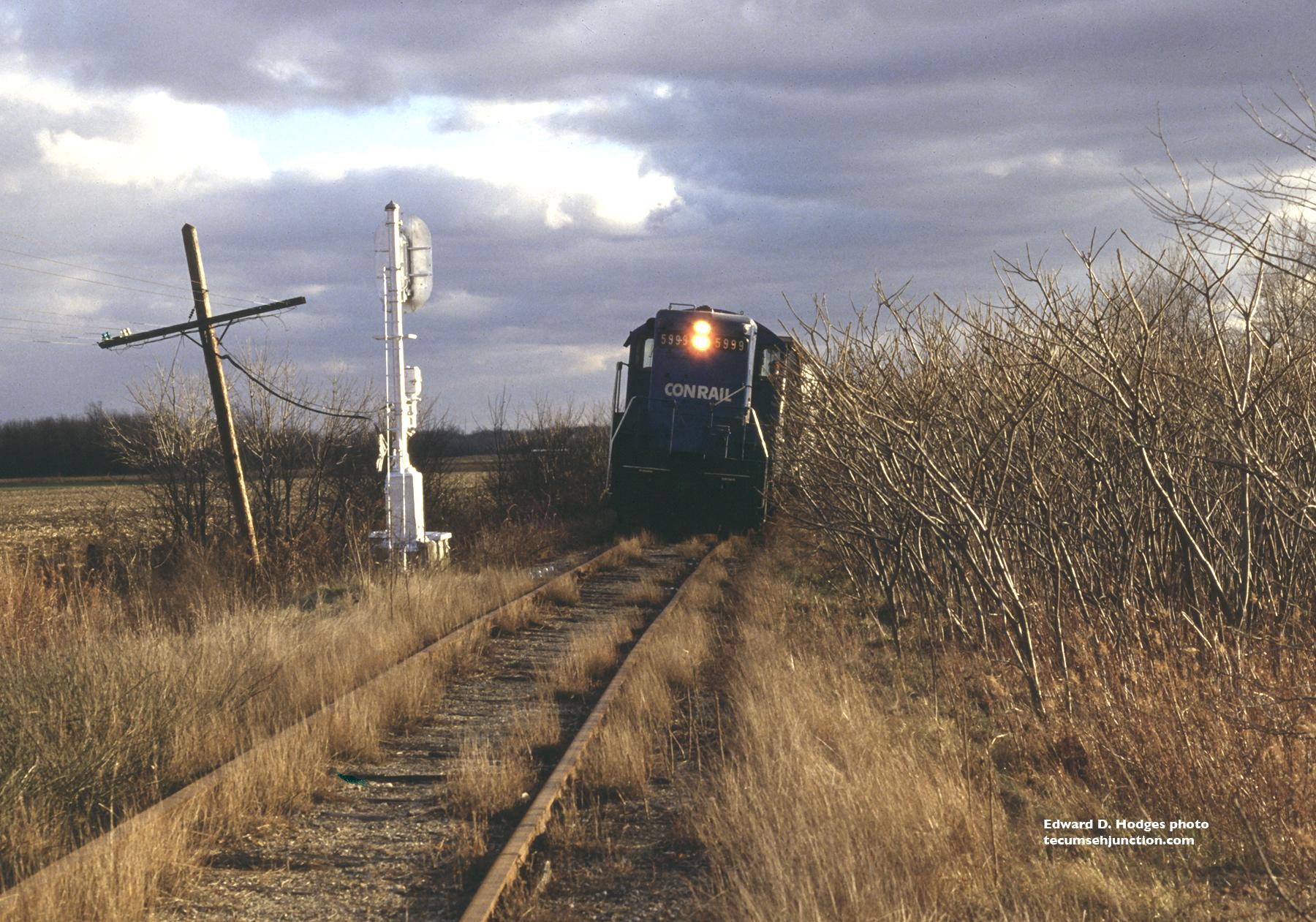 Conrail train n.b. at Raisin Center
