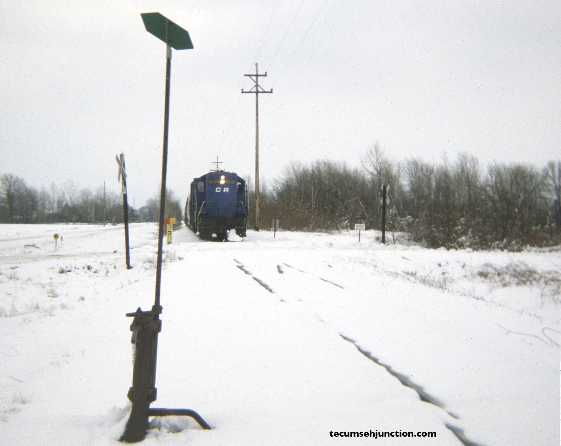Conrail 5626 arrives at Grosvenor, Michigan.