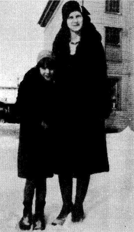 Virginia and Christine Fowler at Clinton, Michigan in December 1929.